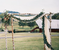 Rustic Tennessee ceremony altar