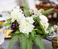 Modern California wedding florals