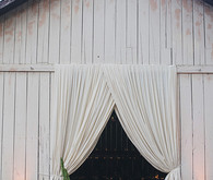 California barn reception