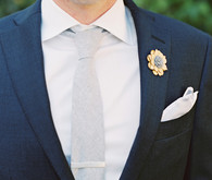 Groom's attire