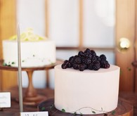 simple modern cakes
