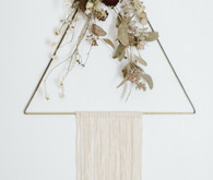 dried flower wall hanging idea