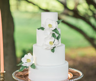 magnolia wedding cake