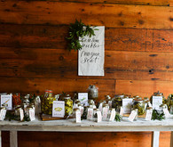 Seasonal foodie wedding favors