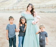 mama and four kids lifestyle session