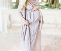 Romantic feminine maternity photos