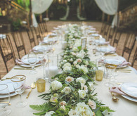 Floral table garland