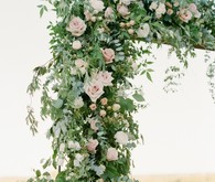 floral arch for ceremony