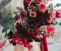 Dramatic fall wedding bouquet