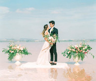 Fancy elopement inspiration at La Laguna Rosa de Torrevieja in Spain