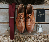 Grooms accessories for fall wedding