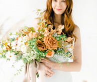 Peachy natural Austin summer wedding ideas at Garden Grove