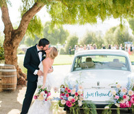 floral car decor for wedding