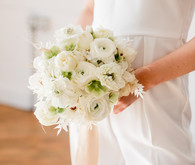 all white weding bouquet