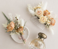 how to use dried flowers in your wedding