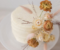 dried flower wedding cake