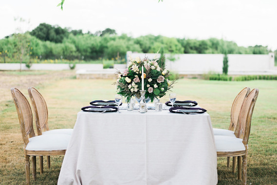 Outdoor glitzy Texas wedding inspiration