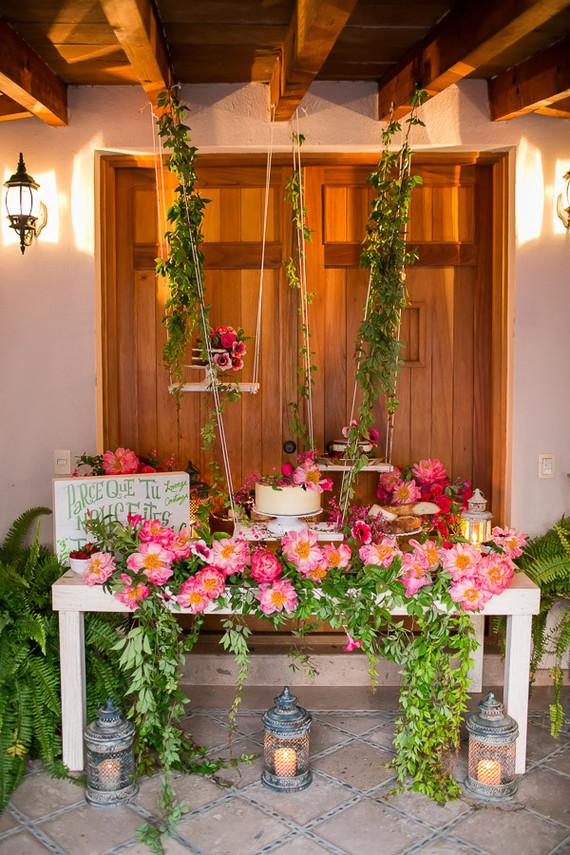 floral dessert table
