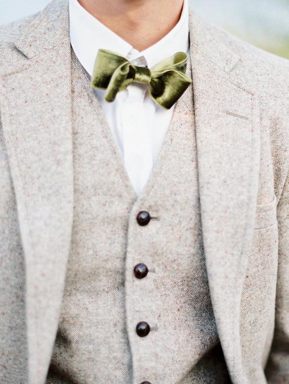 Groom's attires