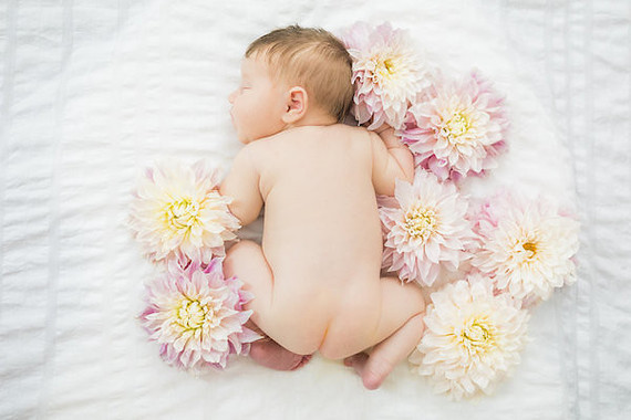girl newborn photos