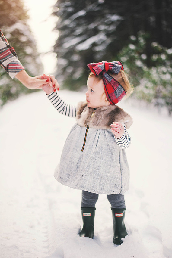 Snowy forest family photos by Connection Photography ...