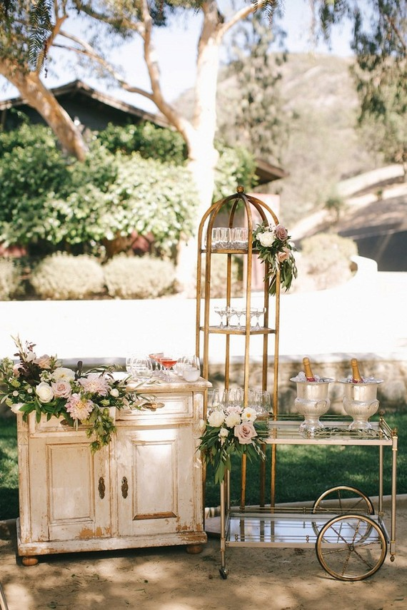 Rustic vintage wedding decor