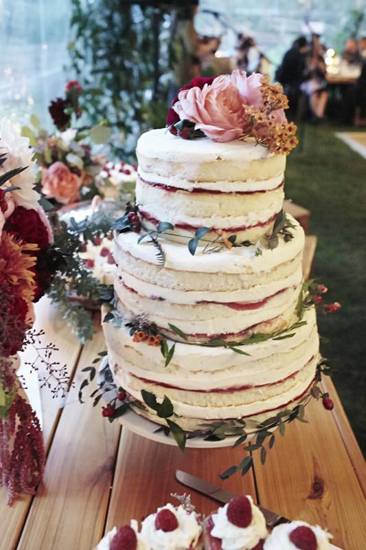 Berry naked cake
