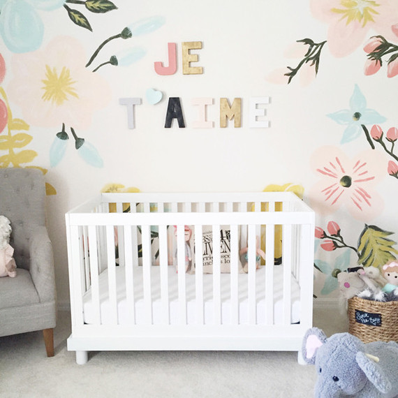 Floral pastel nursery 100 layer cakelet bloglovin for Decoracion de dormitorios bebe nina