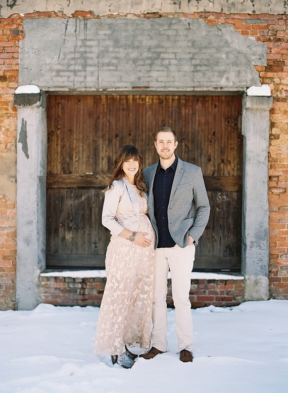Winter maternity photos by Chris Isham