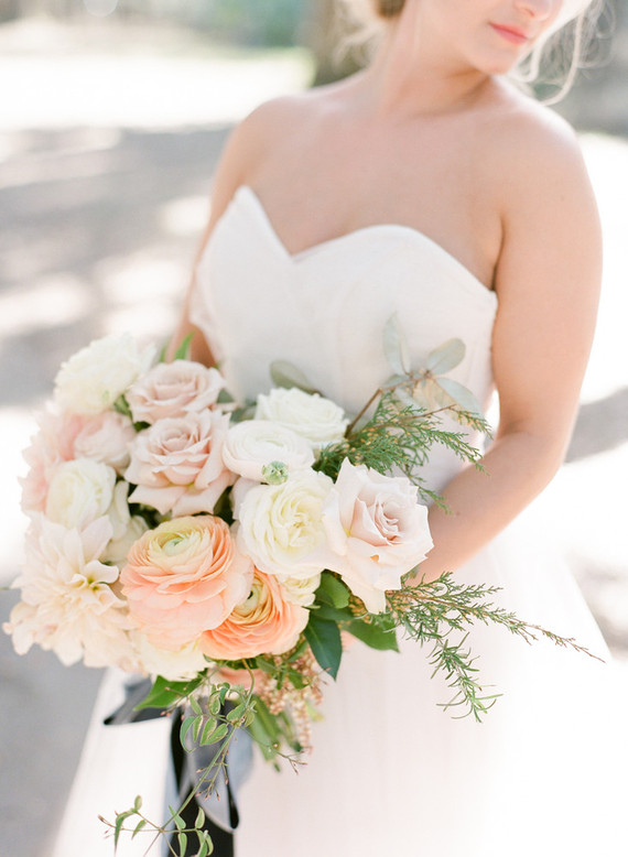 Pink ranunculus and rose bouquet