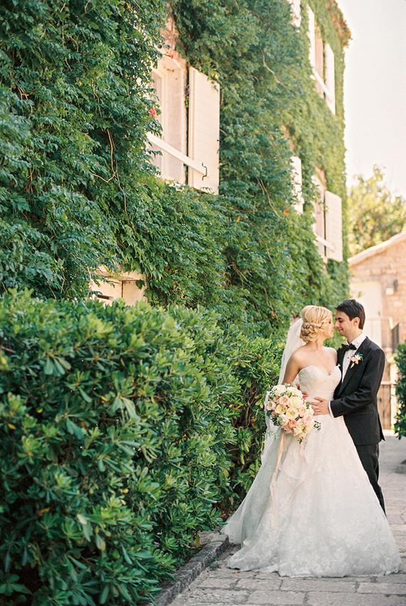 Intimate And Elegant European Wedding Garden Wedding 100 Layer Cake
