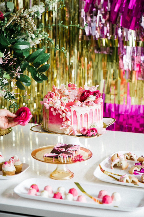 hot pink dessert table pink and gold party ideas 100. Black Bedroom Furniture Sets. Home Design Ideas