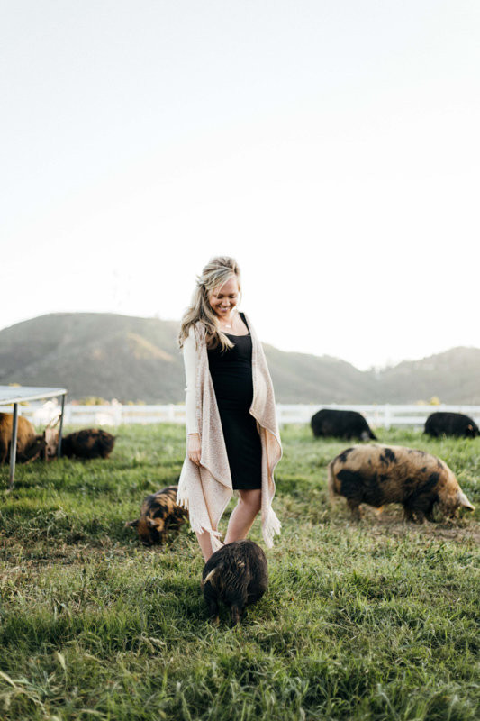 Farm maternity photos
