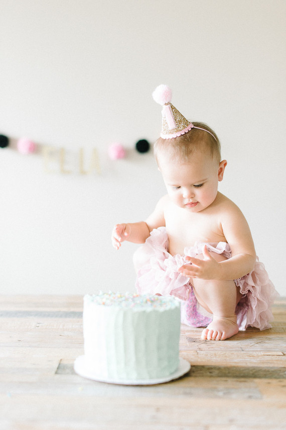 baby girl 1st birthday cake smash