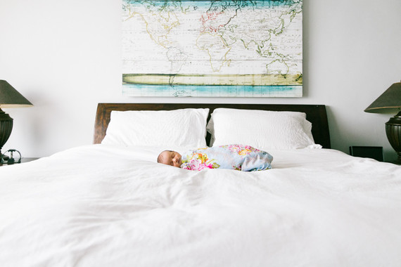Lifestyle newborn photos at home