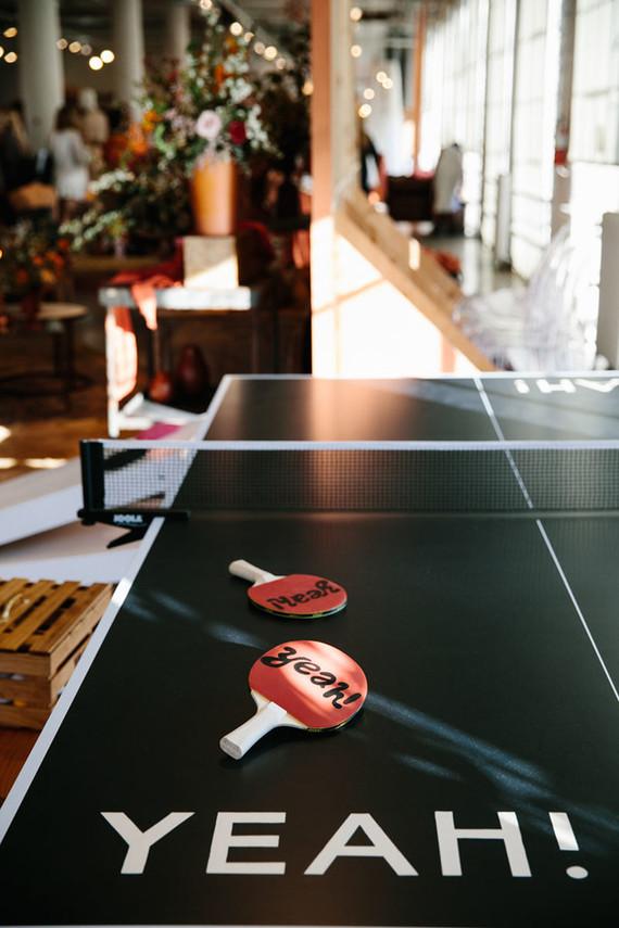 Pin pong holder