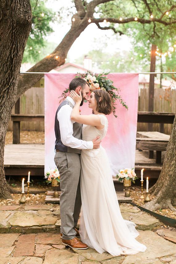to throw an intimate backyard wedding wedding tips 100 layer cake