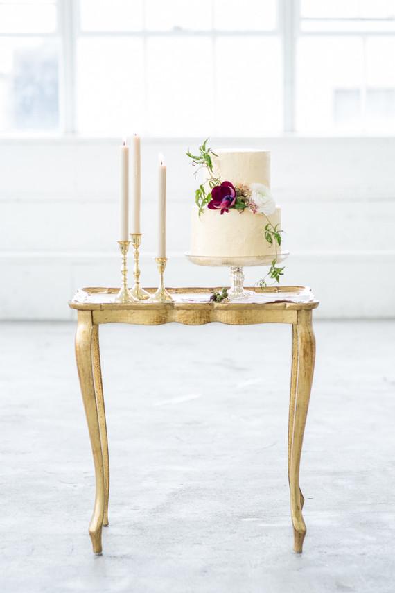 classic cream wedding cake
