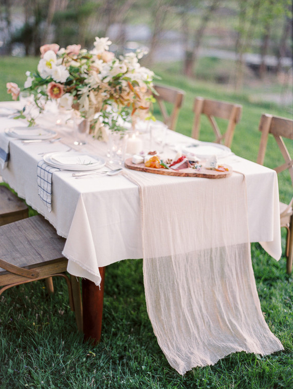 romantic outdoor tablescape
