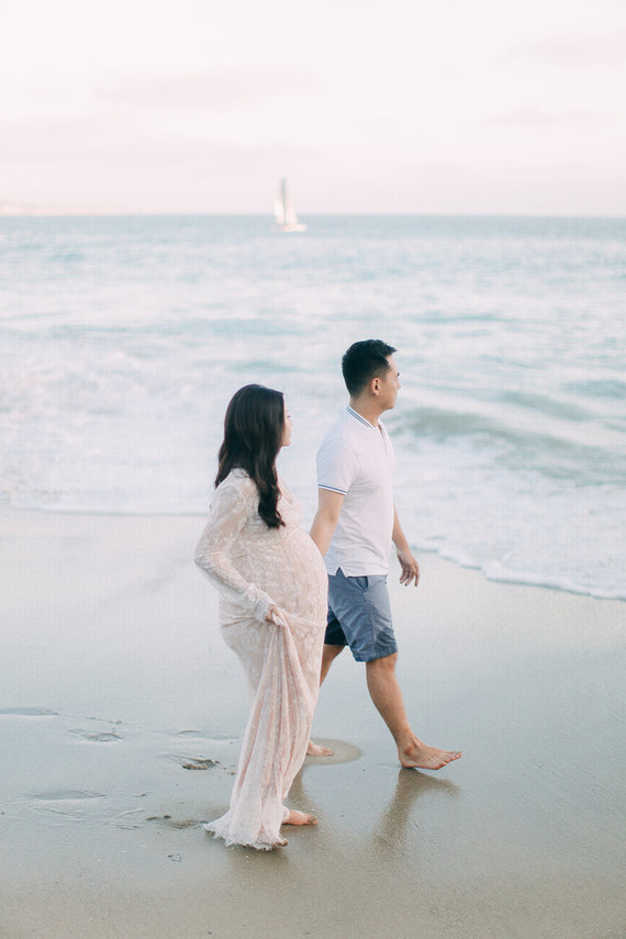 romantic laguna beach maternity photos