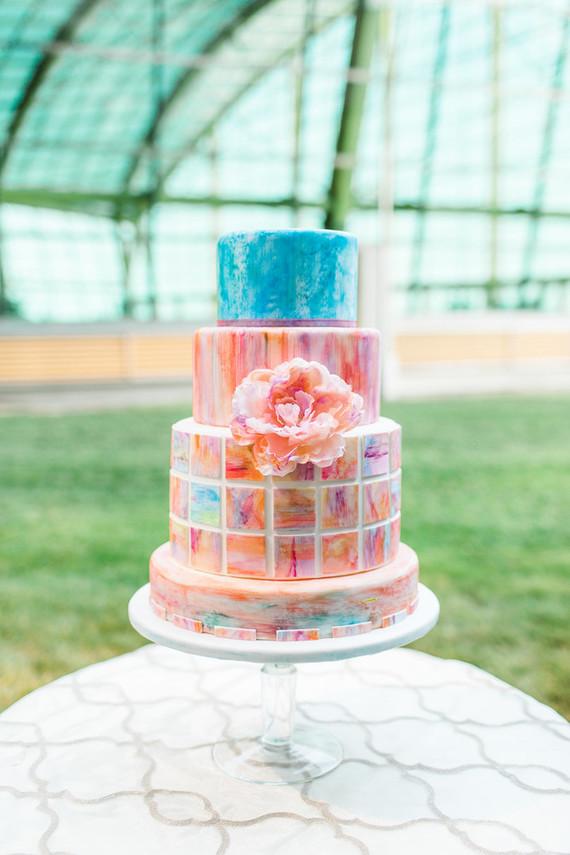 Modern watercolor wedding cake