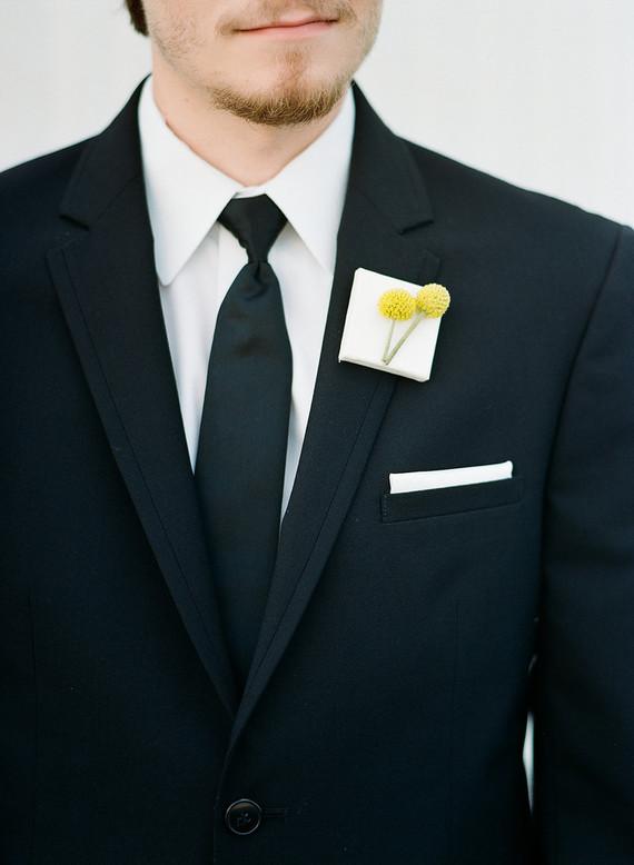 Modern groom boutonnière