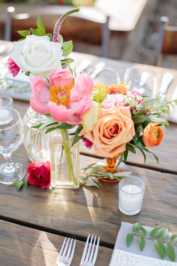 Bright summer wedding decor