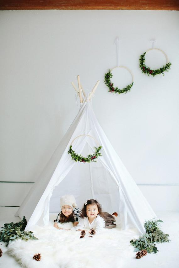 modern styled holiday photos