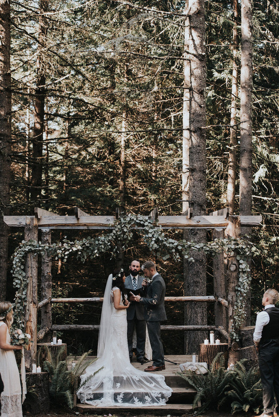 Forest wedding budget wedding 100 layer cake forest wedding in portland junglespirit