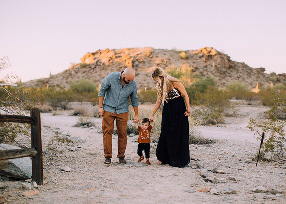 Modern desert family photos