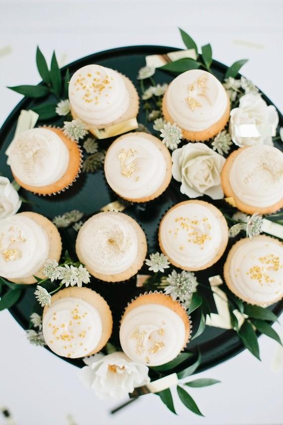 cream mini cupcakes