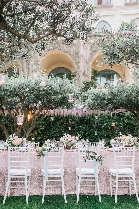 Isnu0027t This Setting Magical? With Olive Trees, A Pink Glittery Tablescape,  And Belmond Hotel Caruso Off The Amalfi Coast, Thereu0027s No Shortage Of  Details To ...