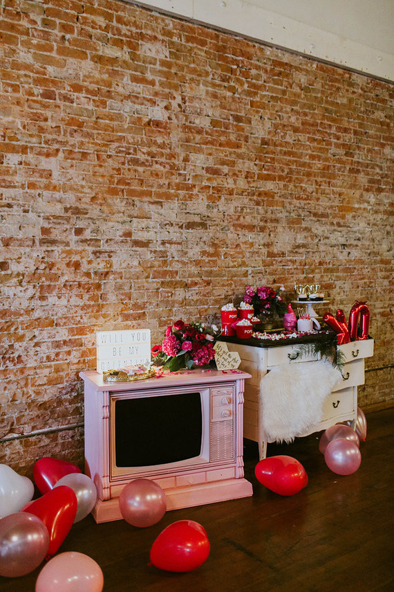 Galentine's party decor