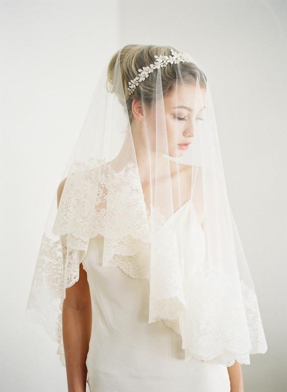 Tomomi Okubo wedding gown